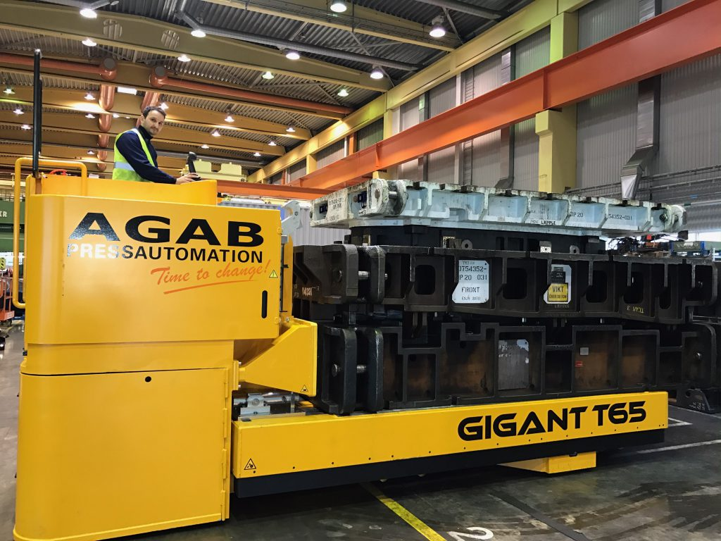 Gigant T65 with die