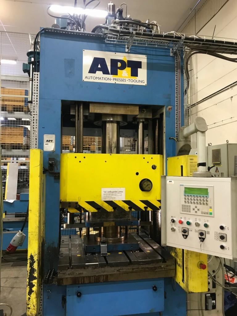AP&T 200